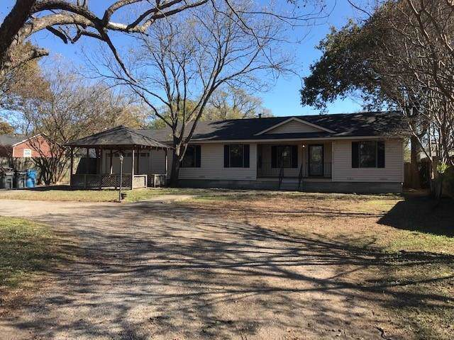 3003 Mills Drive, Corsicana, TX 75110 (MLS #14223544) :: RE/MAX Town & Country