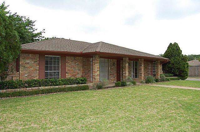 900 Lake Highlands Drive, Allen, TX 75002 (MLS #14223756) :: RE/MAX Town & Country