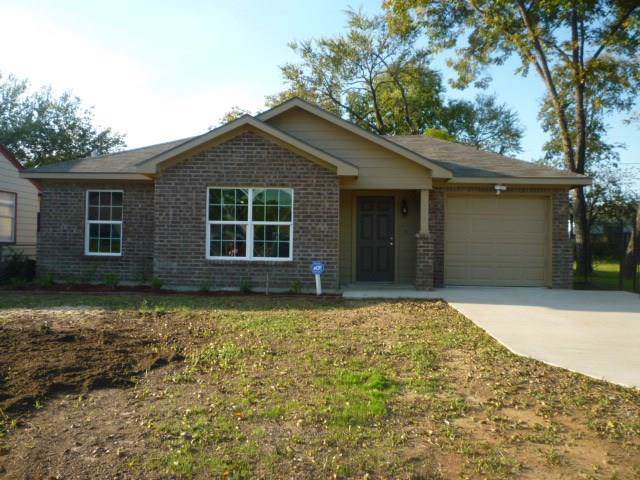 3219 Goldspier Drive, Dallas, TX 75215 (MLS #14224494) :: RE/MAX Town & Country