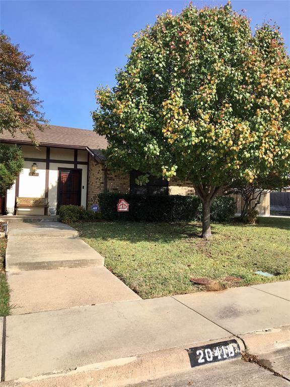 2041 B Teton Place, Carrollton, TX 75006 (MLS #14224496) :: Lynn Wilson with Keller Williams DFW/Southlake