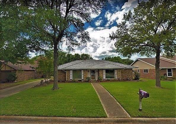 1313 Chestnut Road, Mansfield, TX 76063 (MLS #14227529) :: The Sarah Padgett Team