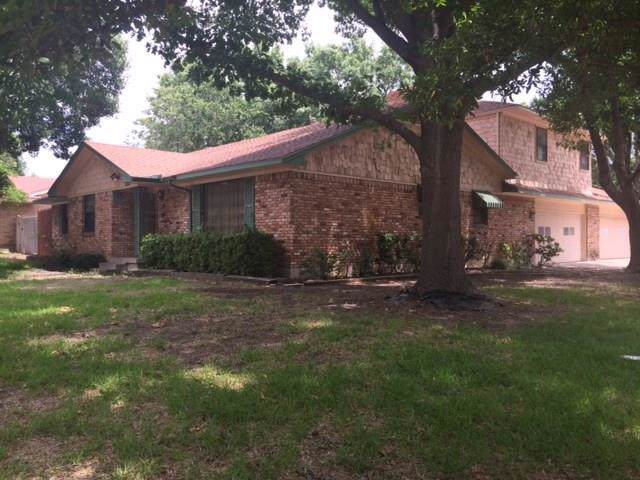 2527 Pinebluff Drive, Dallas, TX 75228 (MLS #14227966) :: RE/MAX Town & Country