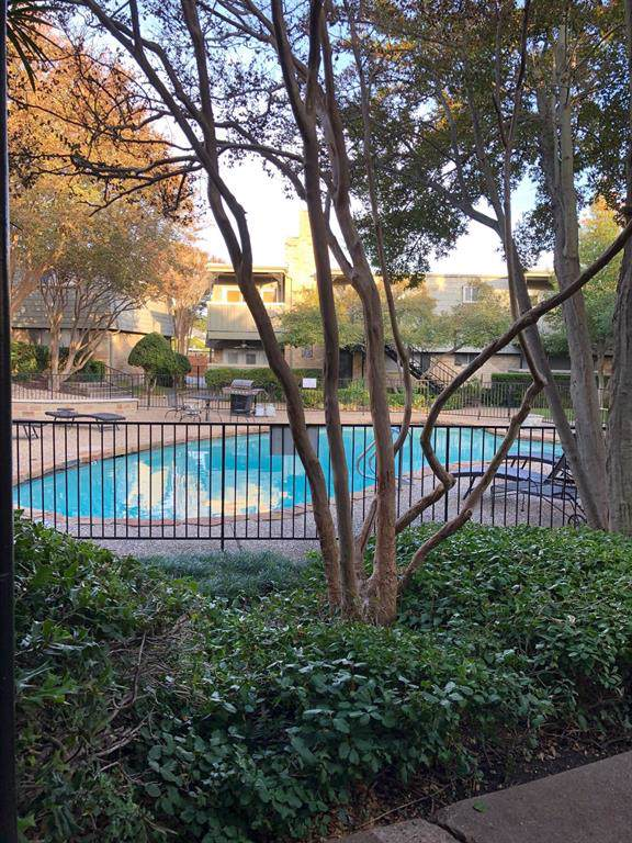 7705 Meadow Park Drive #110, Dallas, TX 75230 (MLS #14229956) :: The Hornburg Real Estate Group