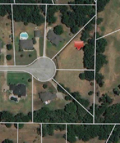 221 Shadow Creek Lane, Burleson, TX 76028 (MLS #14230123) :: Keller Williams Realty