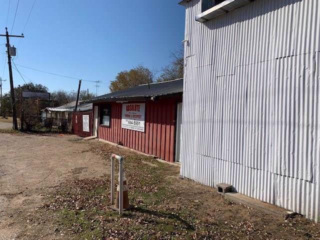 911 E Jefferson Avenue, Whitney, TX 76692 (MLS #14230823) :: The Kimberly Davis Group