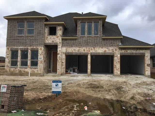 1103 Alderwood Drive, Justin, TX 76247 (MLS #14231844) :: Dwell Residential Realty