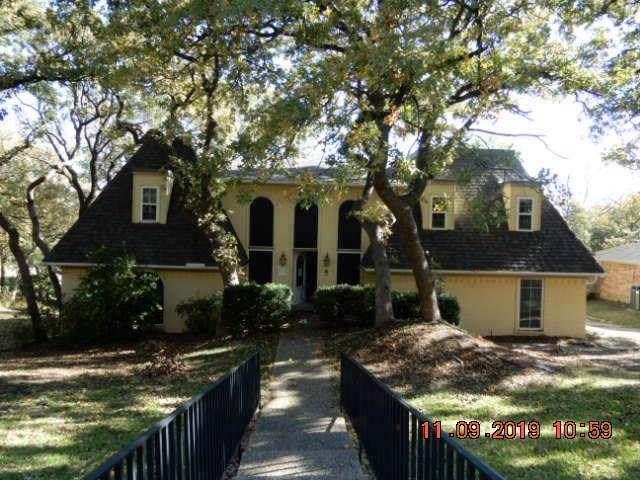 1810 Southpark Drive, Arlington, TX 76013 (MLS #14231963) :: Potts Realty Group