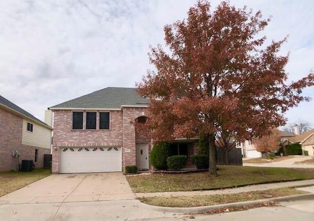 2323 Bantry Lane, Arlington, TX 76002 (MLS #14234220) :: All Cities Realty
