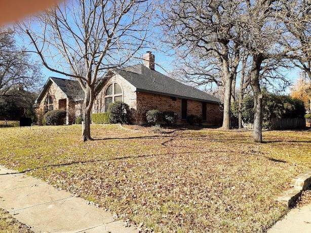 1340 Oak Harbor Boulevard, Azle, TX 76020 (MLS #14236383) :: Robbins Real Estate Group