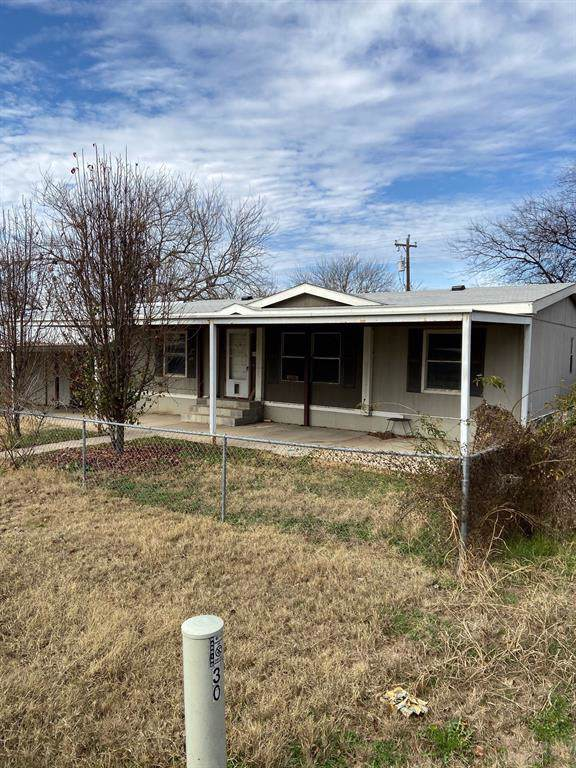 806 Whippoorwill Drive, Granbury, TX 76049 (MLS #14237111) :: Caine Premier Properties