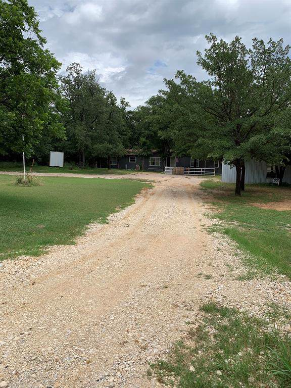 300 Pawnee Drive, Gordonville, TX 76245 (MLS #14237820) :: Frankie Arthur Real Estate