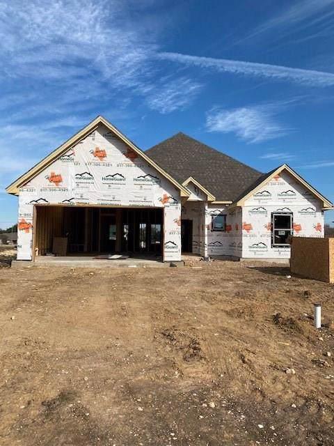 903 Bentwood Lane, Cleburne, TX 76033 (MLS #14238448) :: Robinson Clay Team