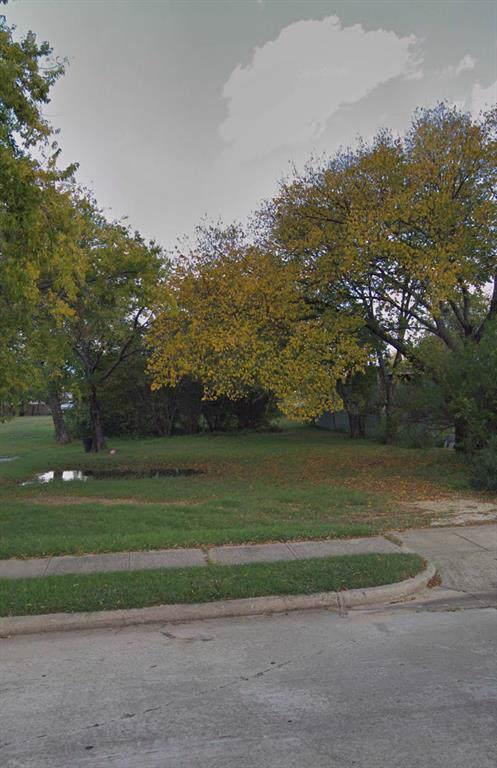 726 N Cowan Avenue, Lewisville, TX 75057 (MLS #14239898) :: Real Estate By Design