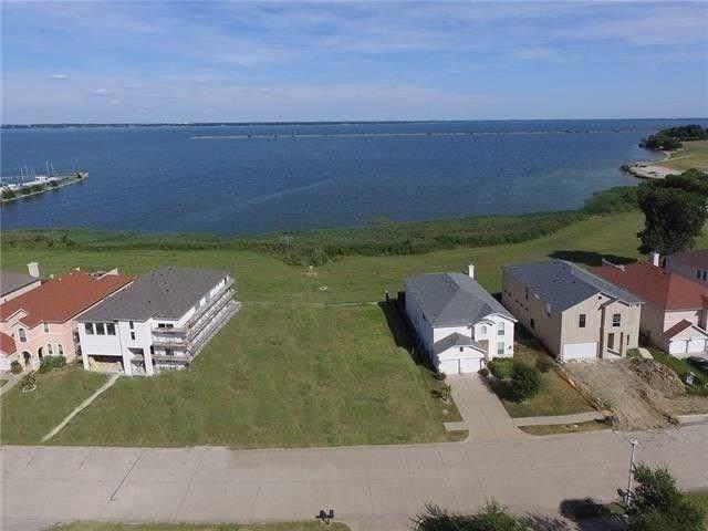 5226 Lake Terrace Court, Garland, TX 75043 (MLS #14240331) :: Potts Realty Group