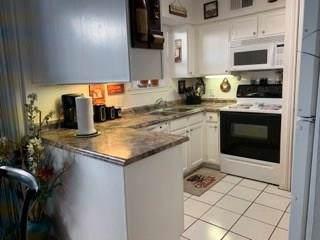 4303 Buena Vista Street #206, Dallas, TX 75205 (MLS #14242417) :: Potts Realty Group