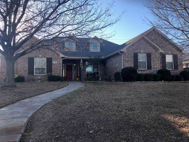 1510 Twin Oaks Drive, Cleburne, TX 76033 (MLS #14242664) :: The Kimberly Davis Group