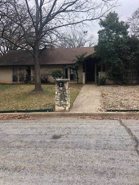 1002 Live Oak Lane, Arlington, TX 76012 (MLS #14251642) :: The Paula Jones Team | RE/MAX of Abilene