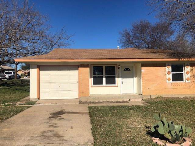 1221 Rusk Drive, Mesquite, TX 75149 (MLS #14251872) :: All Cities Realty