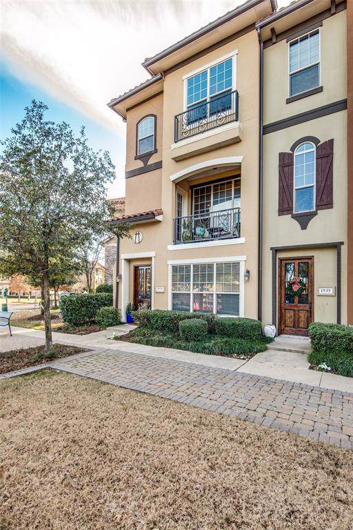 1531 Camino Lago #34, Irving, TX 75039 (MLS #14252125) :: The Hornburg Real Estate Group