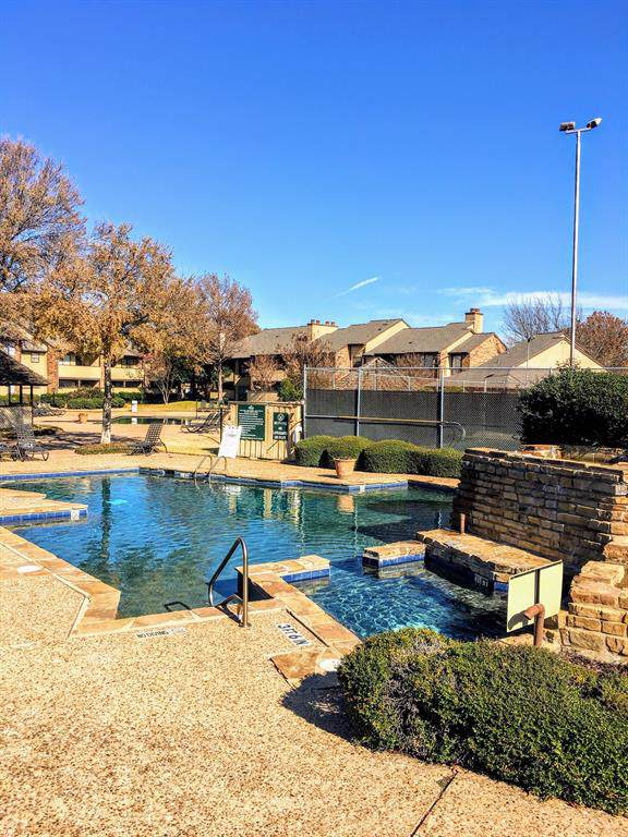 1204 Harwell Drive #2124, Arlington, TX 76011 (MLS #14257237) :: The Hornburg Real Estate Group