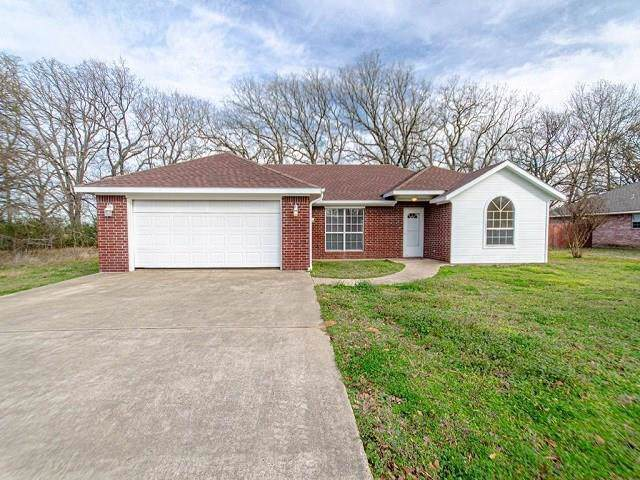 136 Meadow Lake Drive, Gun Barrel City, TX 75156 (MLS #14258011) :: The Chad Smith Team