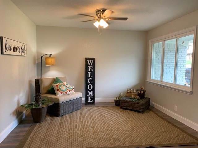1706 England Road, Arlington, TX 76013 (MLS #14258389) :: Robbins Real Estate Group
