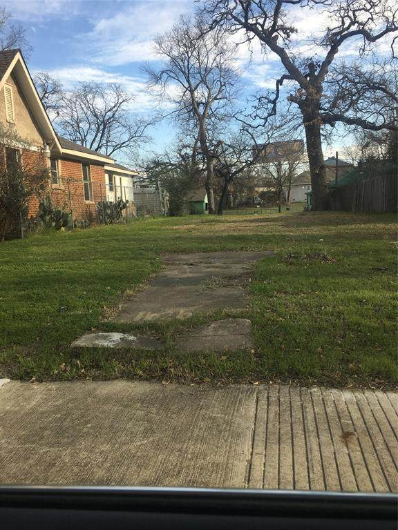 1626 Panama Place, Dallas, TX 75215 (MLS #14259249) :: All Cities USA Realty