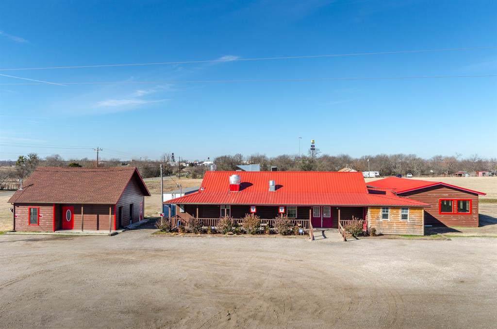 3192 County Road 2172 - Photo 1
