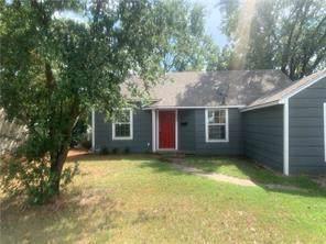 220 E Evans Avenue, Bonham, TX 75418 (MLS #14261602) :: Baldree Home Team