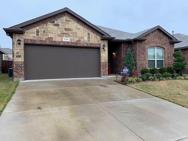 1741 Kachina Lodge Road, Fort Worth, TX 76131 (MLS #14261718) :: The Kimberly Davis Group