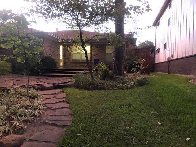 6503 Lake Circle Drive, Dallas, TX 75214 (MLS #14263511) :: The Hornburg Real Estate Group