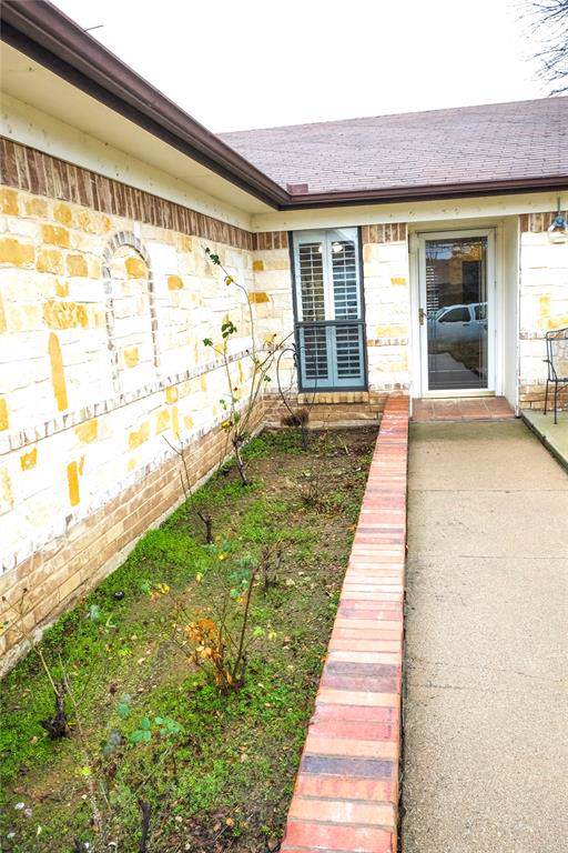 3700 Greenstone Drive, Fort Worth, TX 76137 (MLS #14263616) :: Real Estate By Design
