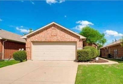 5932 Melanie Drive, Fort Worth, TX 76131 (MLS #14263952) :: Maegan Brest | Keller Williams Realty
