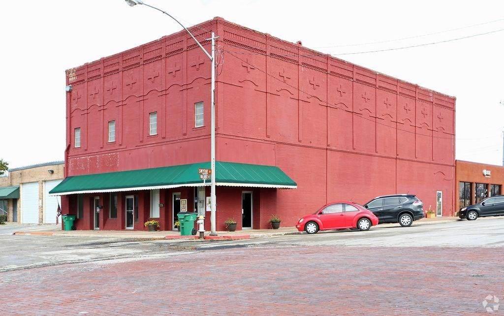 201 Walnut Street - Photo 1