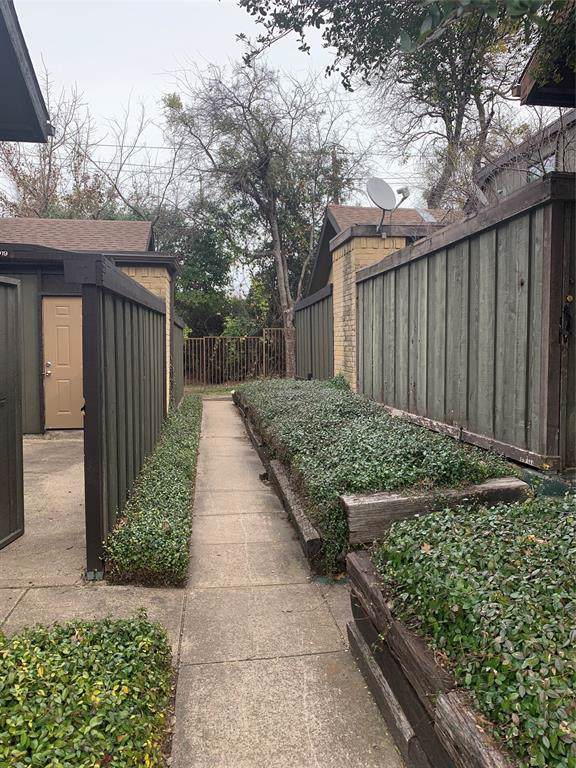 4607 Country Creek Drive #1016, Dallas, TX 75236 (MLS #14264751) :: The Hornburg Real Estate Group