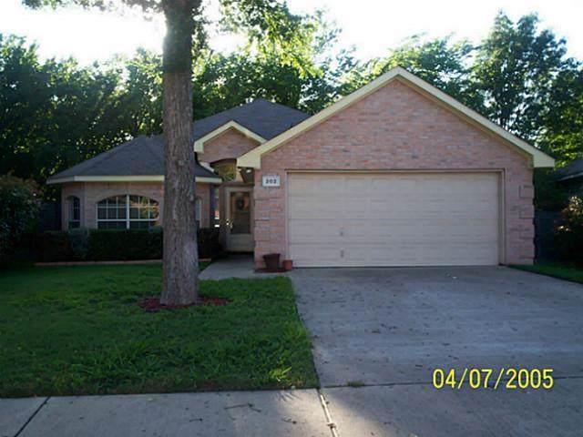 202 Vines Drive, Cedar Hill, TX 75104 (MLS #14264853) :: Real Estate By Design