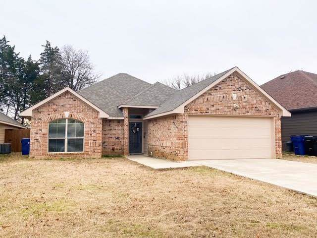 1202 Amsden Circle, Denison, TX 75020 (MLS #14265312) :: The Kimberly Davis Group