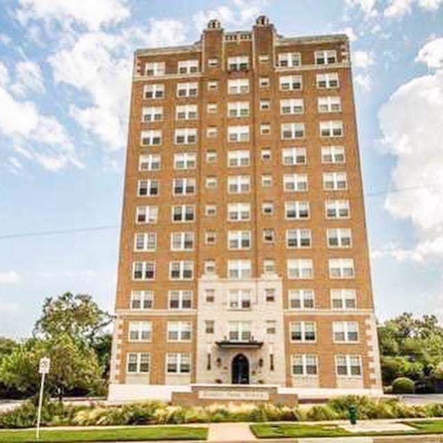 2306 Park Place Avenue 10C, Fort Worth, TX 76110 (MLS #14265569) :: Century 21 Judge Fite Company