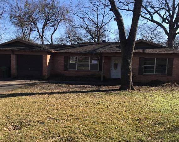 348 Arcadia Street, Hurst, TX 76053 (MLS #14265738) :: The Chad Smith Team
