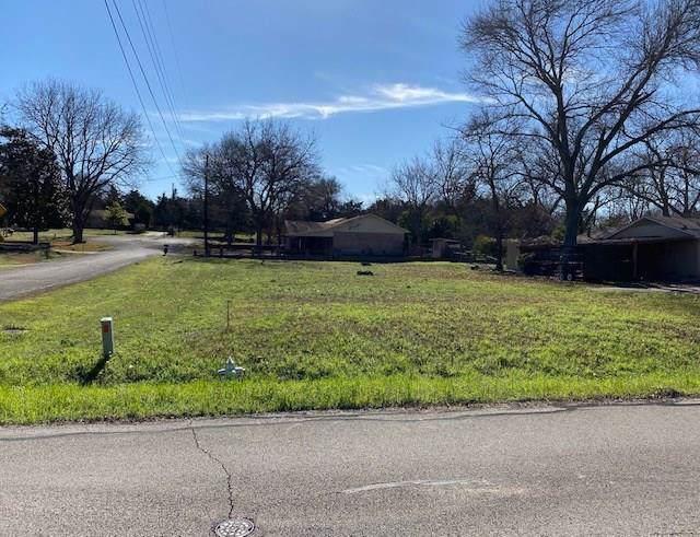 1700 Enchanted Lane, Lancaster, TX 75146 (MLS #14265785) :: Van Poole Properties Group