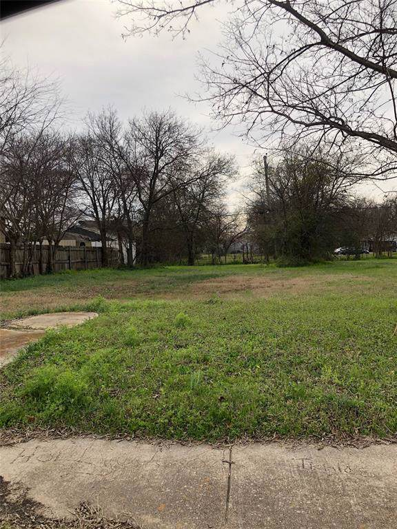 924 E Hattie Street, Fort Worth, TX 76104 (MLS #14266014) :: Real Estate By Design