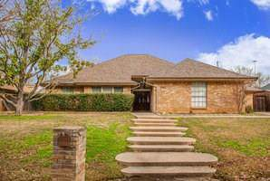 2103 Riverforest Drive, Arlington, TX 76017 (MLS #14266142) :: Century 21 Judge Fite Company
