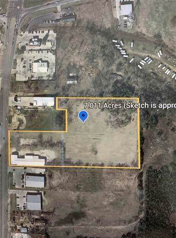 2330 N Main Street, Paris, TX 75460 (MLS #14266815) :: Hargrove Realty Group