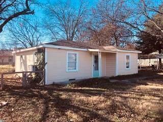 400 W Wrights Avenue, Comanche, TX 76442 (MLS #14267540) :: Team Tiller