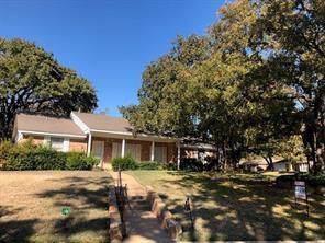 852 Wheelwood Drive, Hurst, TX 76053 (MLS #14267596) :: Lynn Wilson with Keller Williams DFW/Southlake