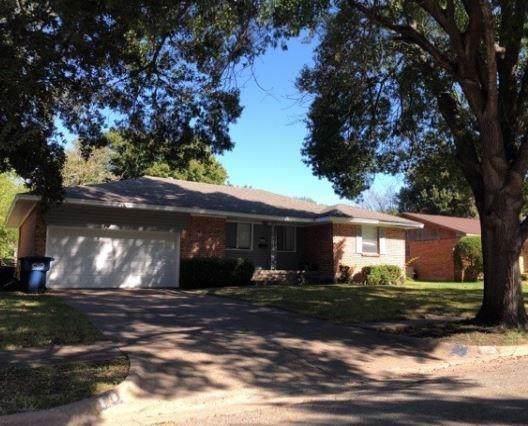 Lancaster, TX 75146 :: RE/MAX Pinnacle Group REALTORS