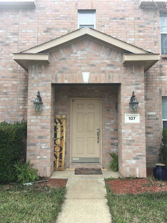 107 Clover Leaf Lane, Red Oak, TX 75154 (MLS #14270372) :: The Mitchell Group
