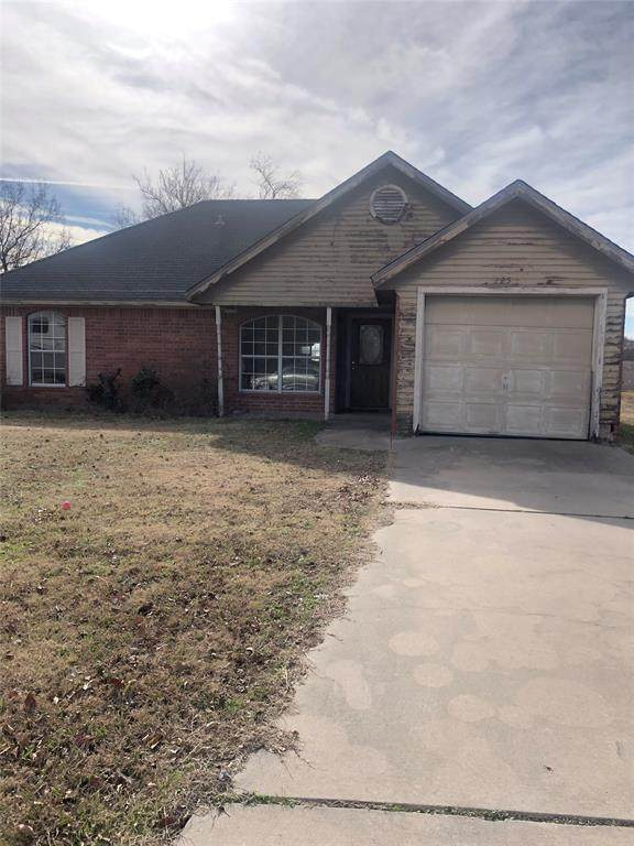 225 Brook Circle, Krum, TX 76249 (MLS #14274674) :: Trinity Premier Properties