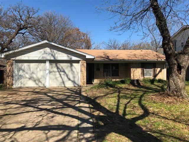 2209 W 11th Street, Irving, TX 75060 (MLS #14275055) :: The Good Home Team