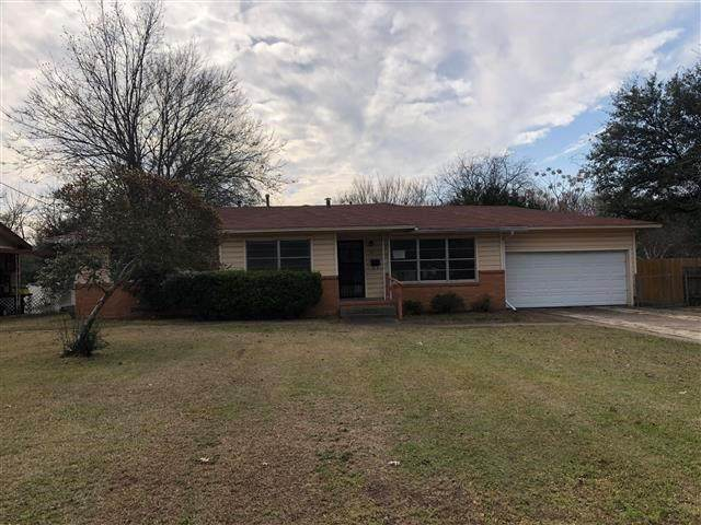 115 Davidson Drive, Terrell, TX 75160 (MLS #14275063) :: Tenesha Lusk Realty Group